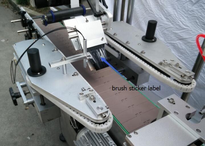 Automatska mašina za etiketiranje naljepnica s okruglom bocom za motor sa pikom u boci